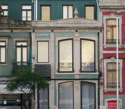 Guest House_vertical_0000s_0014_Hostel-Porto-Fachada
