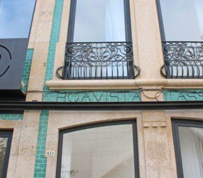 Guest_house_horizontal_0000s_0003_Boavista_Class_Inn-Porto-Hotel_outdoor_area-4-881559 (1)